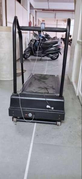 Treadmill (TMT)