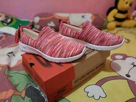 Sepatu Sneaker Wanita SKECHERS Go Walk Joy Terrific PinkMulti Original