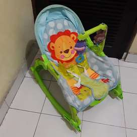 Baby Bouncer merk Fisher Price. Good condition. dijual cepat