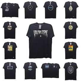 Kaos t shirt hitam