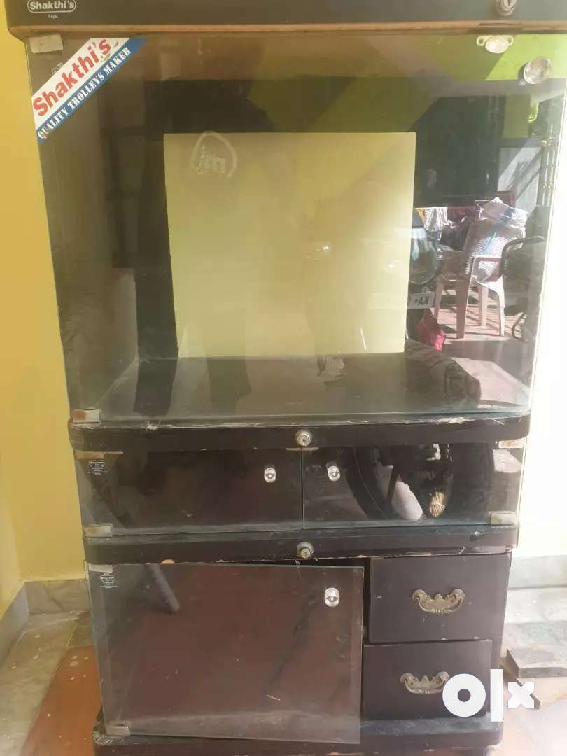 Used Wooden Computer / TV Stand with moving Wheel for Sale