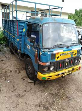 Mahindra Load king