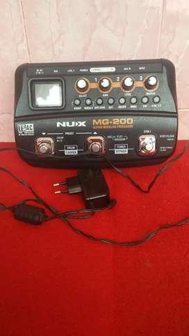Efek gitar Nux MG200