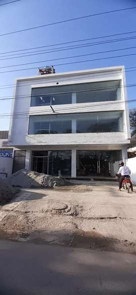 Commercial Building For Rent in Johar Town