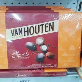 Coklat van houten 130 gram rasa almond - baru