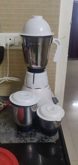 Mixer Grinder for Rs1000