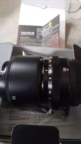 Lensa Fuji fix 50mm F2