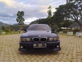 Mobil BMW seri 5 e39 523 tahun 1996