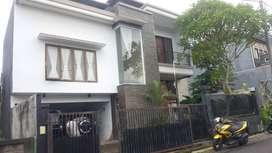 Disewakan Rumah Cantik 2 Lantai Area Gianyar
