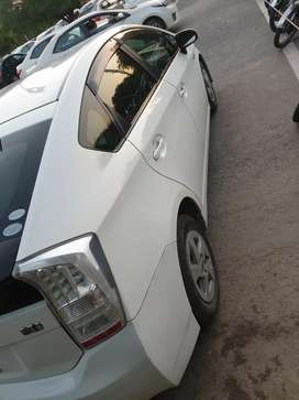 Toyota Prius 2011/15 White neat and clean for marriage and out of city
