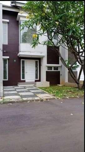 Dijual Rumah mewah 2lt, Free PPN, Ada Kolam Renang, proses KPR dibantu