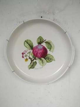 Piring antik gambar buah