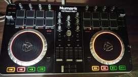 DJ Controller Numark mixtrack pro 2