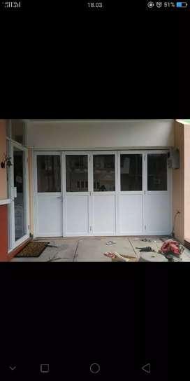Pintu warna putih Alumunium buat garasi mobil