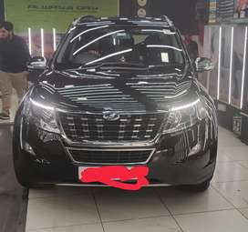 Xuv 500 W9 black with  sunroof  , Fixed price.Showroom condition