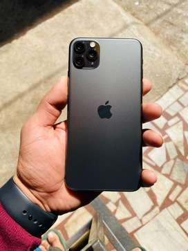 Iphone 11 pro max 512gb 10 months old.