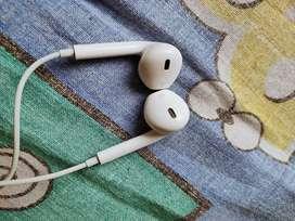 iPhone x earphones jz 2 months old