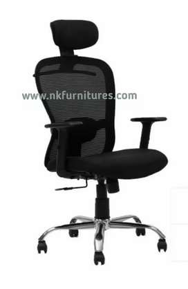 MD OFFICE REVOLVING CHAIR