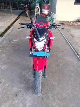 Honda cb 150 r SE