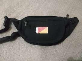 Waistbag unkl347 minus logo ngelupas sedikit