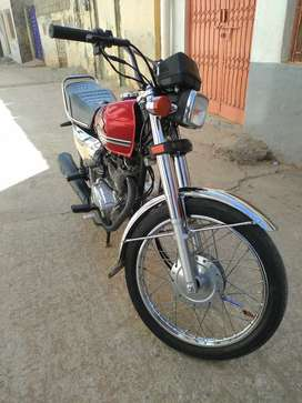 Honda 125 self start good condition one hand used Islamabad number
