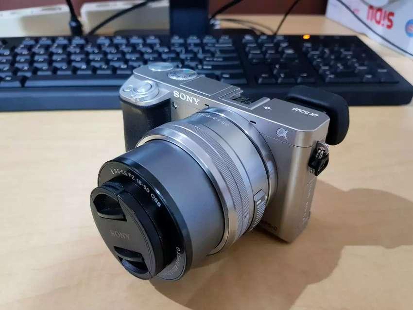 Sony a6000 + Kit Lens 16-50mm f3.5-5.6 OSS 0
