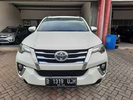 Toyota fortuner vrz diesel 2016 low km