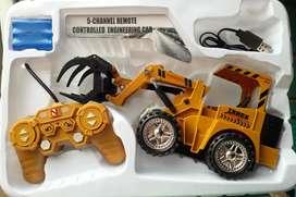 Traktor remot batre cas