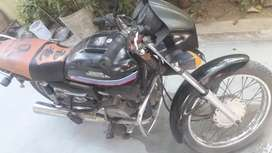 Single hand used hero Honda splender bike.