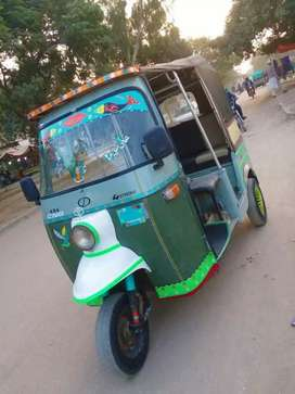 SazGar-2012,FuLL PetRoL Rickshaw,Show FuLL Genuine,Engine FuLL Ok,