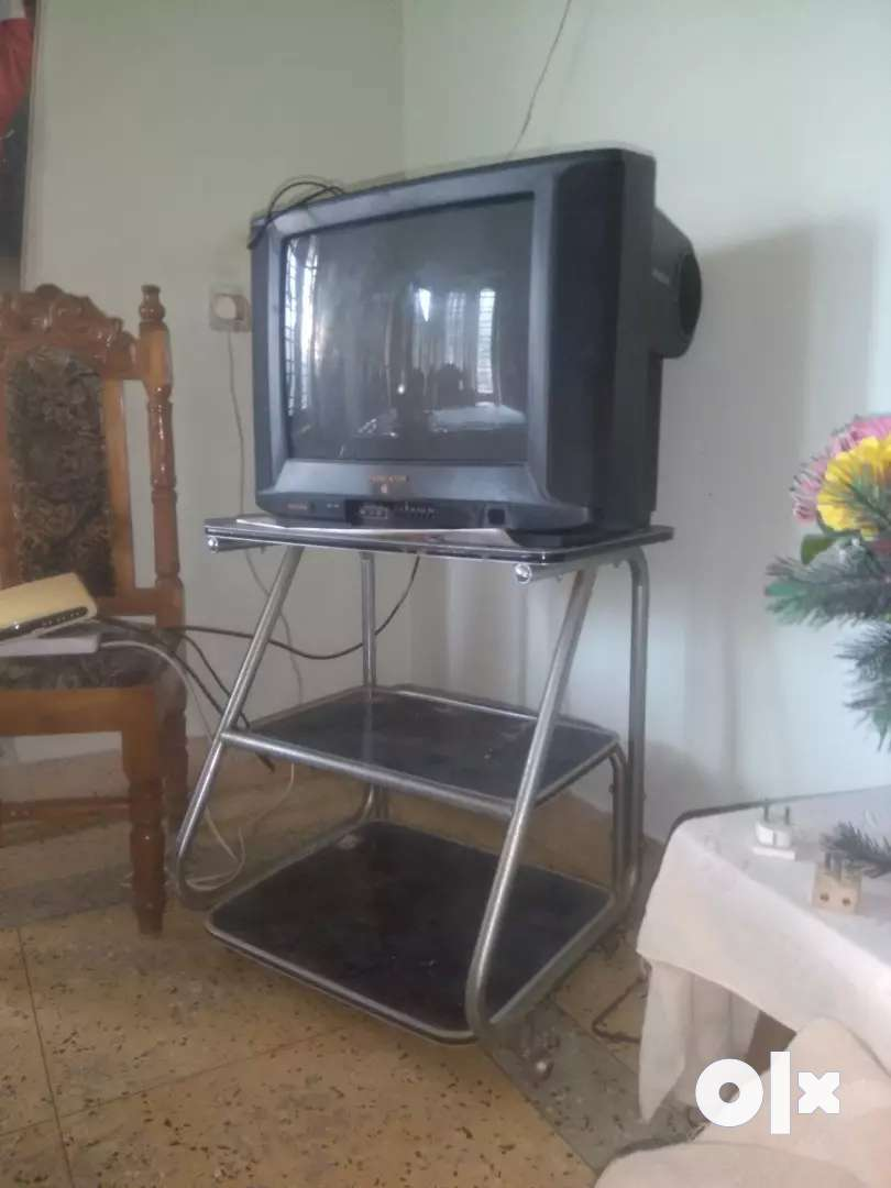 TV + TV stand 0