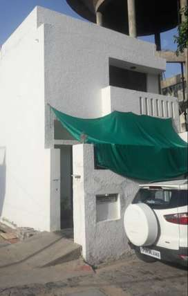 Property in prime location in Dayal Bagh area
