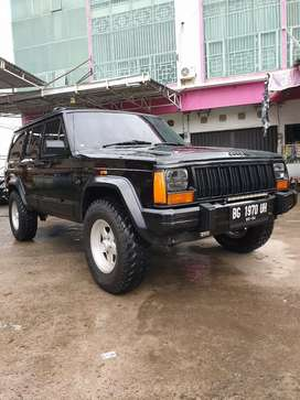 Cherokee 4.0 Limited 4x4 thn 1996