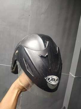 helm second layak