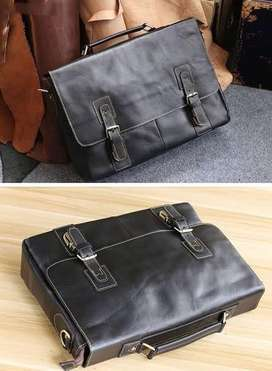 Leather bags/briefcases
