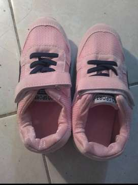 Sepatu Anak Warna Pink Size 29