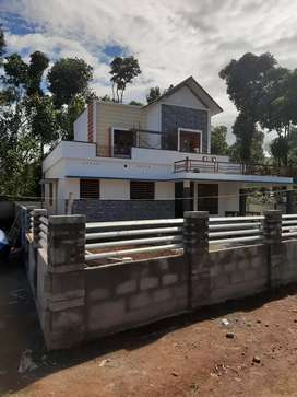 10cent 1700 sqft 3bhk house for sail kattappan vallakkadavu.
