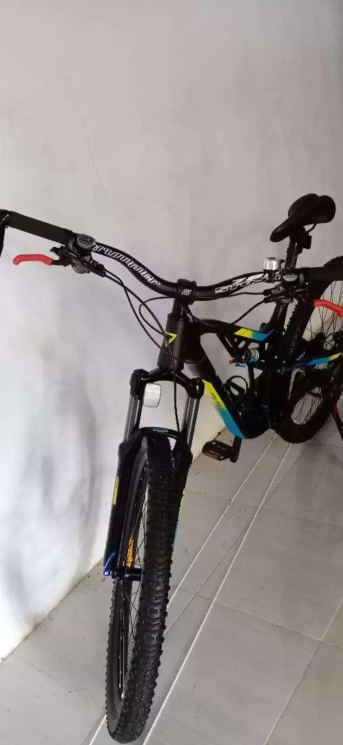 Sepeda Thrill ricochet 4 0