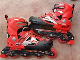 Roller skates / tyre waly shoes