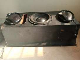Two kenwood car speakers with with one woofer in box