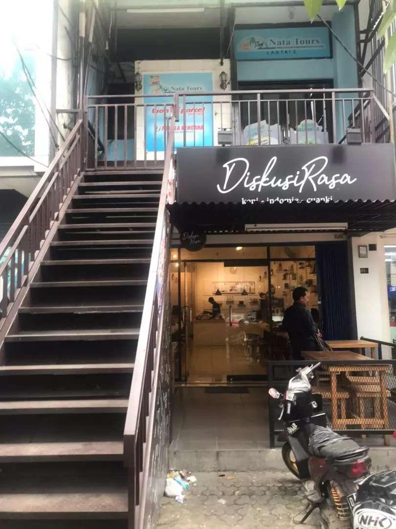 Disewakan ruko lt 2&3 dekat kampus UNLA.. Cck u/ cafe / coffee shop !! 0