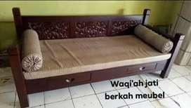 Sofa bale2 ukiran mewah, 80x200, bahan kayu jati tua terbaik