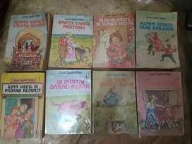 8 Buku cerita Laura ingals