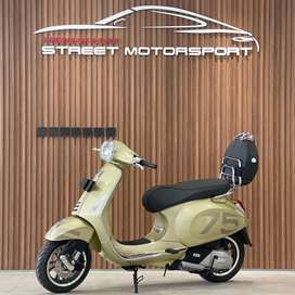 Vespa Gold 75th Anniversary Limited Edition Only 500pc World Wide