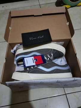 Sepatu ventela low public grey size 41