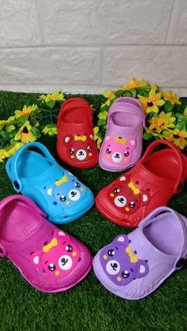 Sandal dan sepatu anak cewek