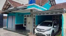 Rumah untuk usaha warung dan kos di pusat kota kuningan,Jawa Barat