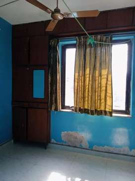 One room for rent in 3bhk flat 3rd floor