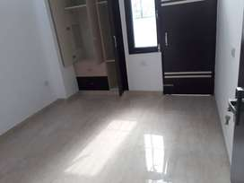2 BHK BUILDER FLAT AVAILABLE IN INDIRAPURAM WITH COMMUNITY