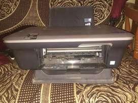 HP DESKJET 1050  printer.